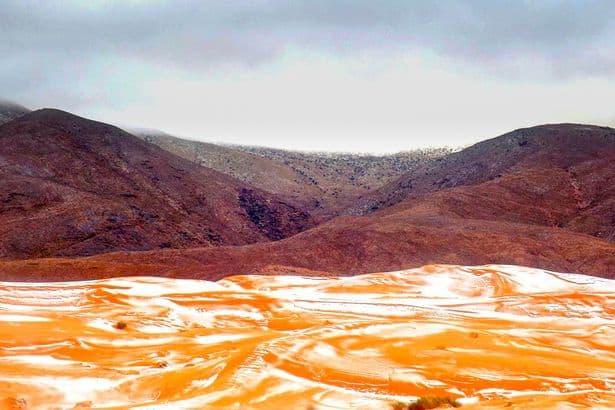 SaljuTurun Di Gurung Sahara Yang Panas Dan Tandus