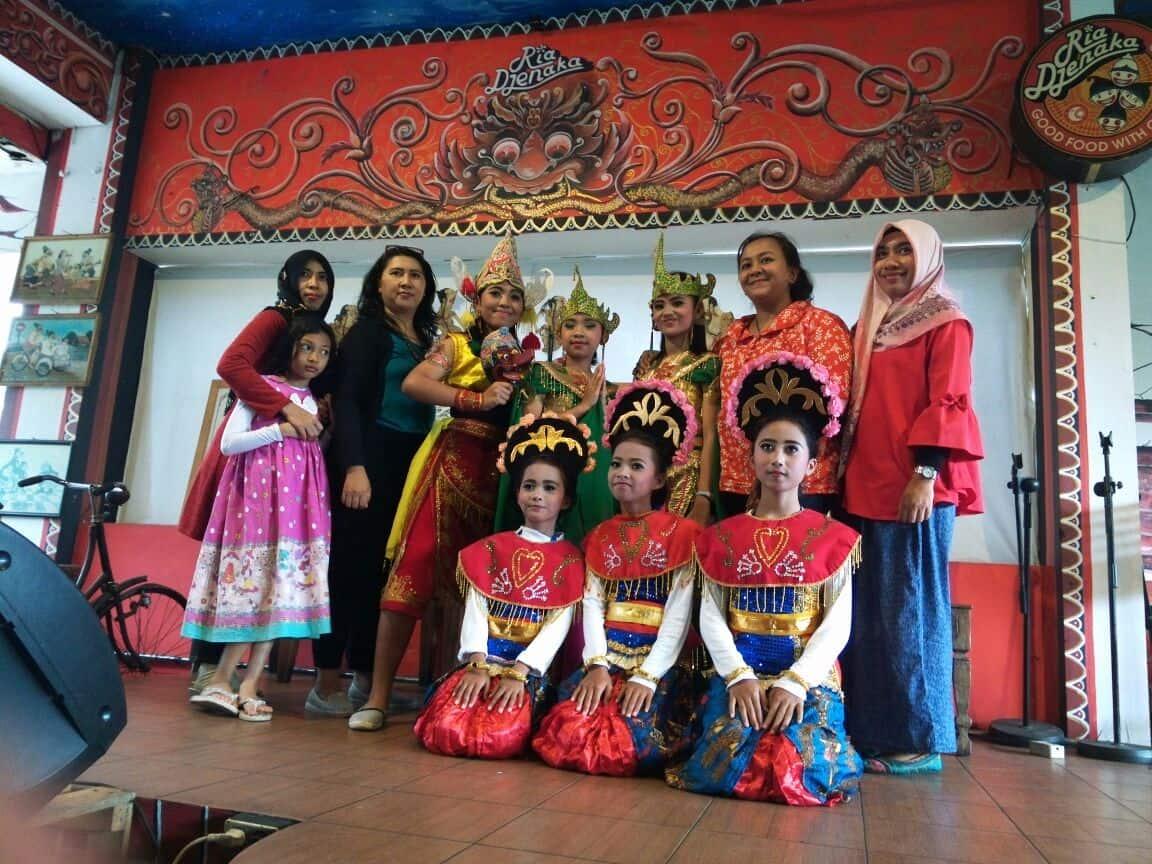 Budaya Sebagai Identitas Bangsa