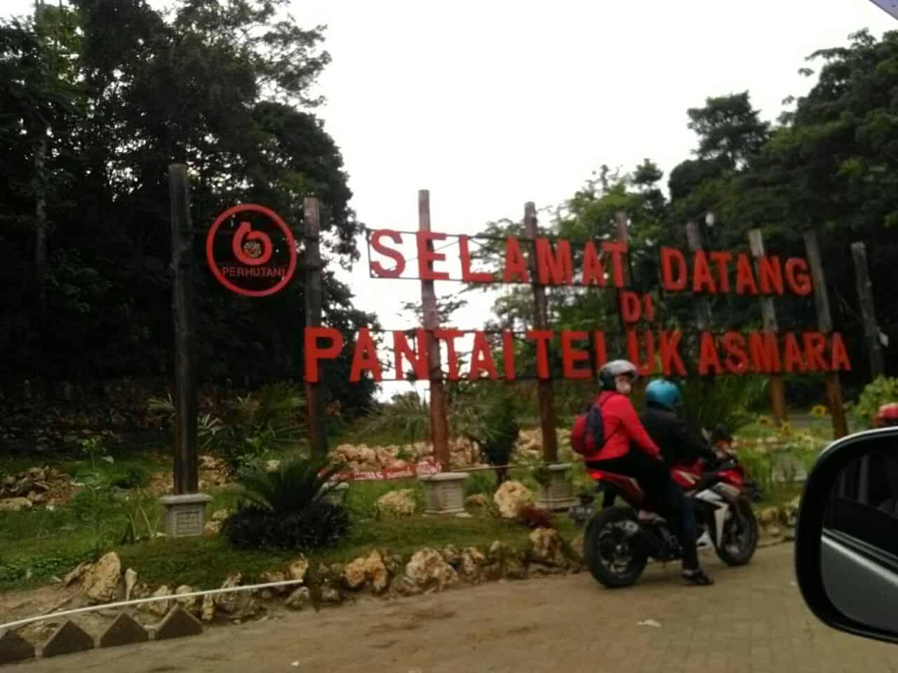 Berwisata ke Pantai Teluk Asmara Malang