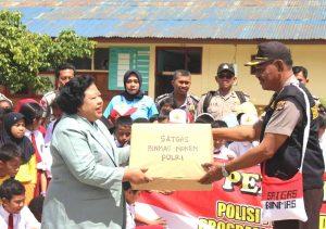 Program Polisi Pi Ajar Sekolah, Pengabdian Polisi Jadi Guru SD dan TK
